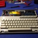 Convirtiendo un 65XE a battery power!